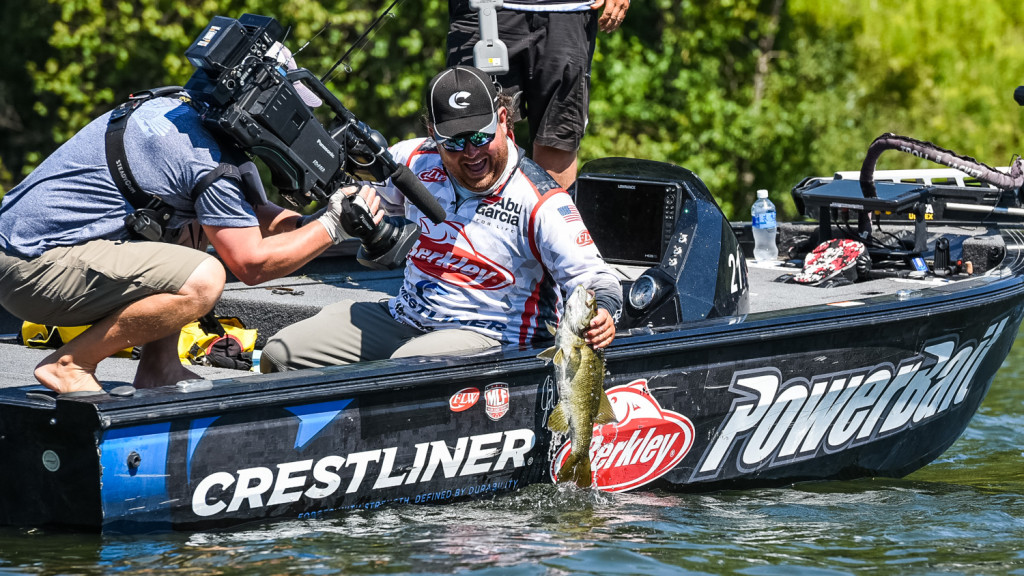 Image for John Cox Leads Day Two at Tackle Warehouse TITLE presented by Toyota at Sturgeon Bay